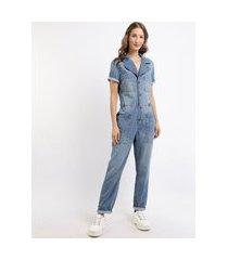 macacão jeans feminino com bolsos manga curta azul médio