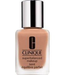 clinique superbalanced makeup liquid foundation - warmer