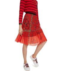 falda rojo-negro desigual