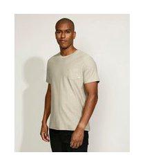 camiseta masculina básica com bolso manga curta gola careca kaki
