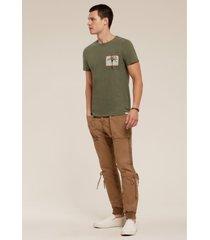 camiseta acostamento casual verde oliva