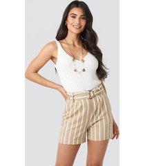 na-kd trend linen look striped shorts - beige