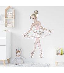 pastelowa baletnica naklejka na ścianę