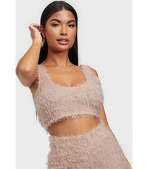 nly one fluffy crop top linnen