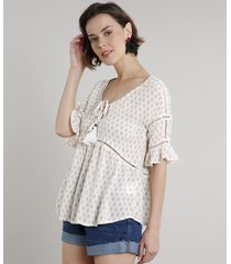 blusa feminina ampla estampada com entremeio e tassel manga curta decote redondo off white