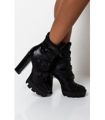 akira azalea wang somebody come get her chunky heel bootie in black