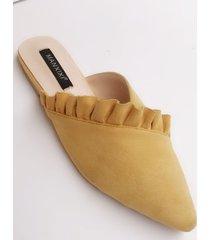 punta puntiaguda con volantes zapatillas