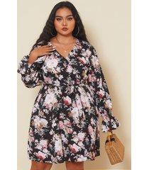 estampado floral con cuello en v y talla grande cinturón diseño mini manga larga vestido
