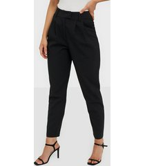 nly trend cropped tailored pants byxor