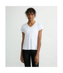 camiseta esportiva com decote v e manga curta | get over | branco | g