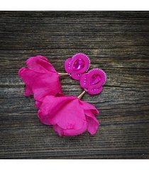 fuksjowe kolczyki soutache z kwiatami