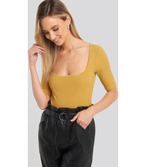 na-kd square neck ribbed body - yellow
