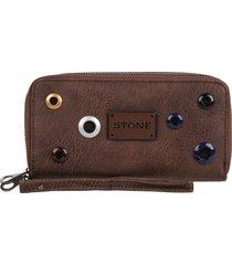 billetera marrón stone