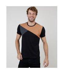 camiseta masculina slim com recorte em suede manga curta gola careca preta