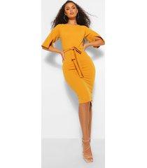 midi jurk met mouwsplit, kokerrok en ceintuur, mustard