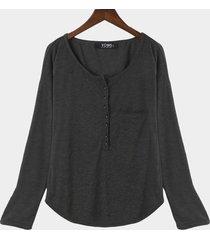 blusa casual con escote pronunciado y bolsillo con botones