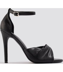 na-kd shoes twist vamp heel sandal - black