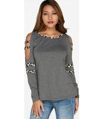 camisetas de manga larga con hombros descubiertos de leopardo gris