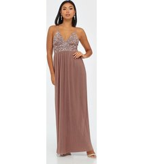 maya cami plunge delicate sequin pleated dress maxiklänningar mauve