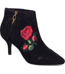 agnete embroidery shoes boots ankle boots ankle boots with heel svart shoe the bear