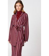 na-kd side slit tied waist blazer - pink,red,multicolor