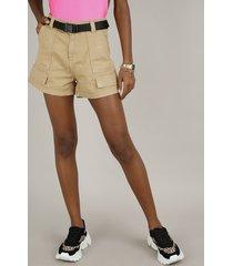 short de sarja feminino cargo cintura alta com bolsos e cinto bege