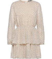 amber pleated dress kort klänning creme gina tricot