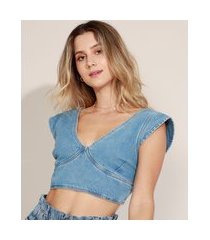 top cropped jeans feminino com recorte alça larga decote v azul médio