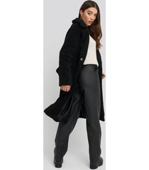 na-kd big collar teddy coat - black