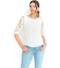 camiseta color blanco, cuello redondo, semi transparente, manga 3/4 con detalles de encaje color-blanco-talla-xl