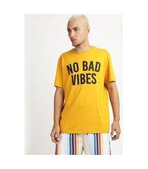 """camiseta masculina no bad vibes"""" manga curta gola careca amarela"""""""