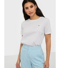 calvin klein small logo embroidered tee c-nk t-shirts