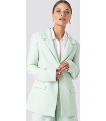emilie briting x na-kd oversized blazer - green