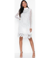 true decadence long sleeve embroidered lace dress fodralklänningar