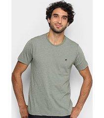 camiseta malwee tradicional bordado masculina - masculino