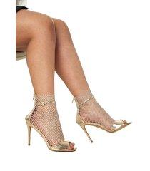 zapatos rosa dorados de tacón con diseño de malla