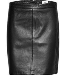 objchloe leather skirt noos knälång kjol svart object