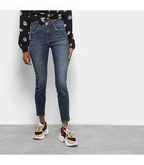 6dbcc605f Calças - Feminino - Bordada - Jeans - 37 produtos com até 73.0% OFF ...
