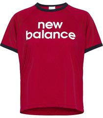 achiever graphic high low tee t-shirts & tops short-sleeved röd new balance
