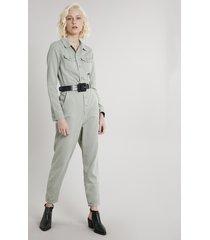 macacão de sarja feminino com bolsos manga longa verde claro