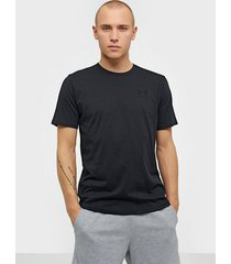 under armour sportstyle left chest ss tränings t-shirts svart