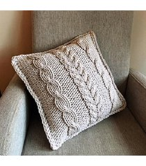 poduszka - plecionka warkocz