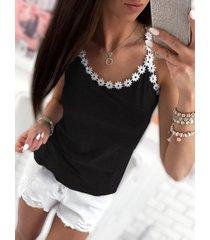 black scoop neck crochet lace trim cami top