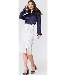 na-kd boho button linen look midi skirt - white