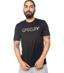 camiseta negro oakley