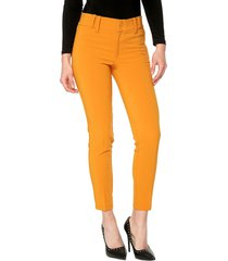 pantalon amarillo. exss. hungria