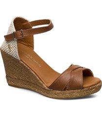leona sandalette med klack espadrilles brun kurt geiger london