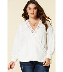 yoins plus size white crossed front v-neck blouse