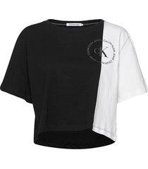 ck round logo blocke crop tops svart calvin klein jeans