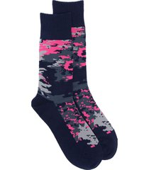 yohji yamamoto camouflage-print socks - blue
